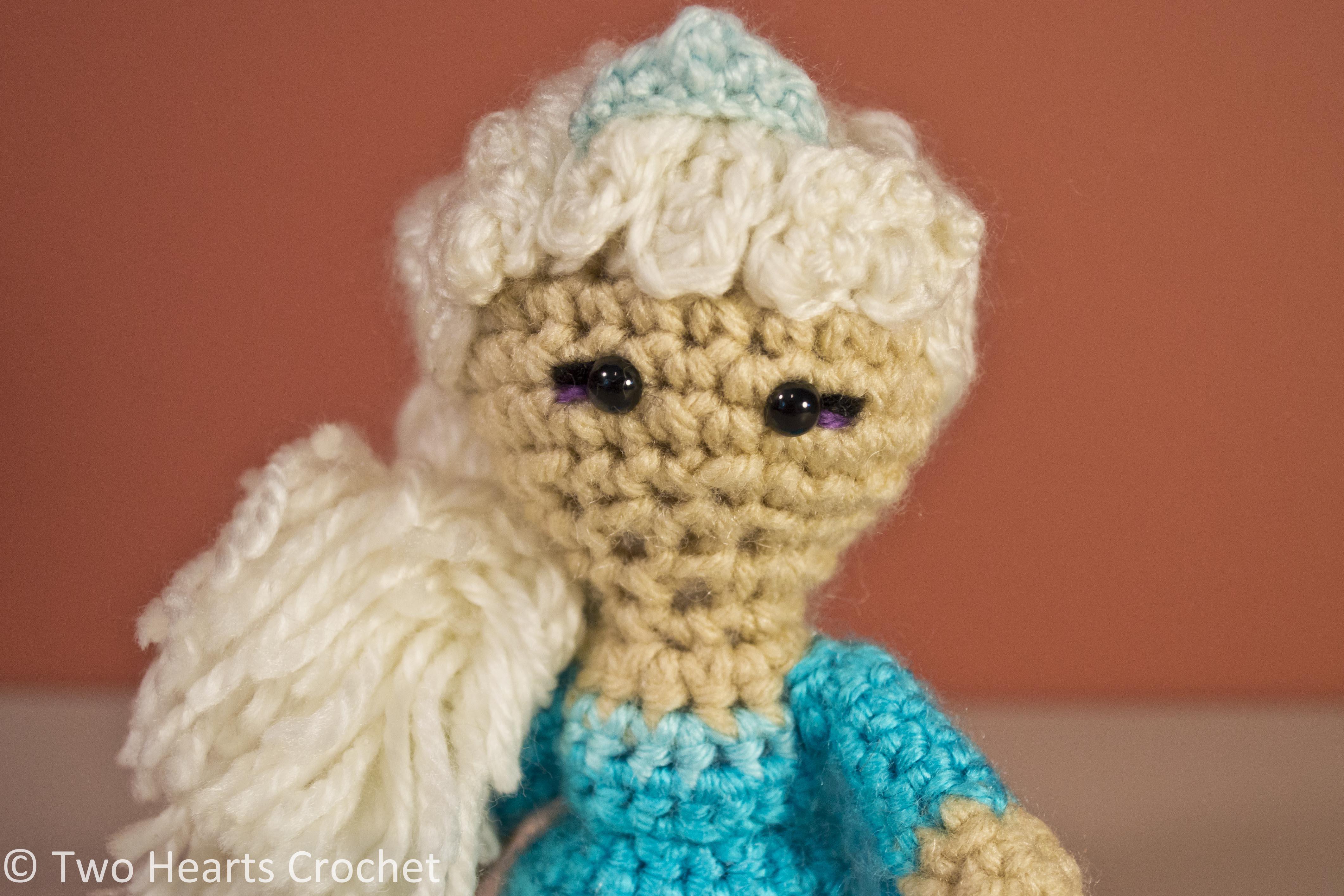 Amigurumi Elsa Tarifi : Princess Pattern: Elsa (Frozen) Amigurumi Two Hearts Crochet