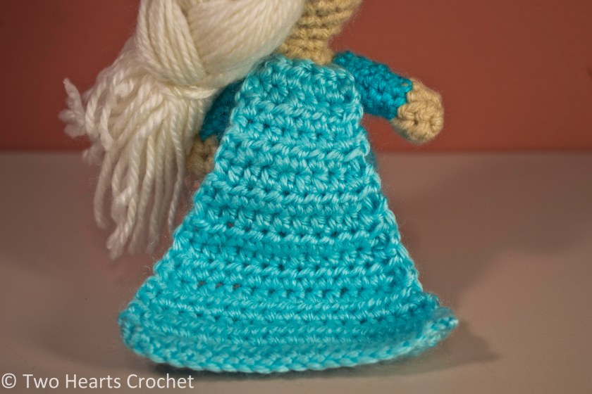 Free Crochet Pattern Elsa Cape : Elsa ? Two Hearts Crochet