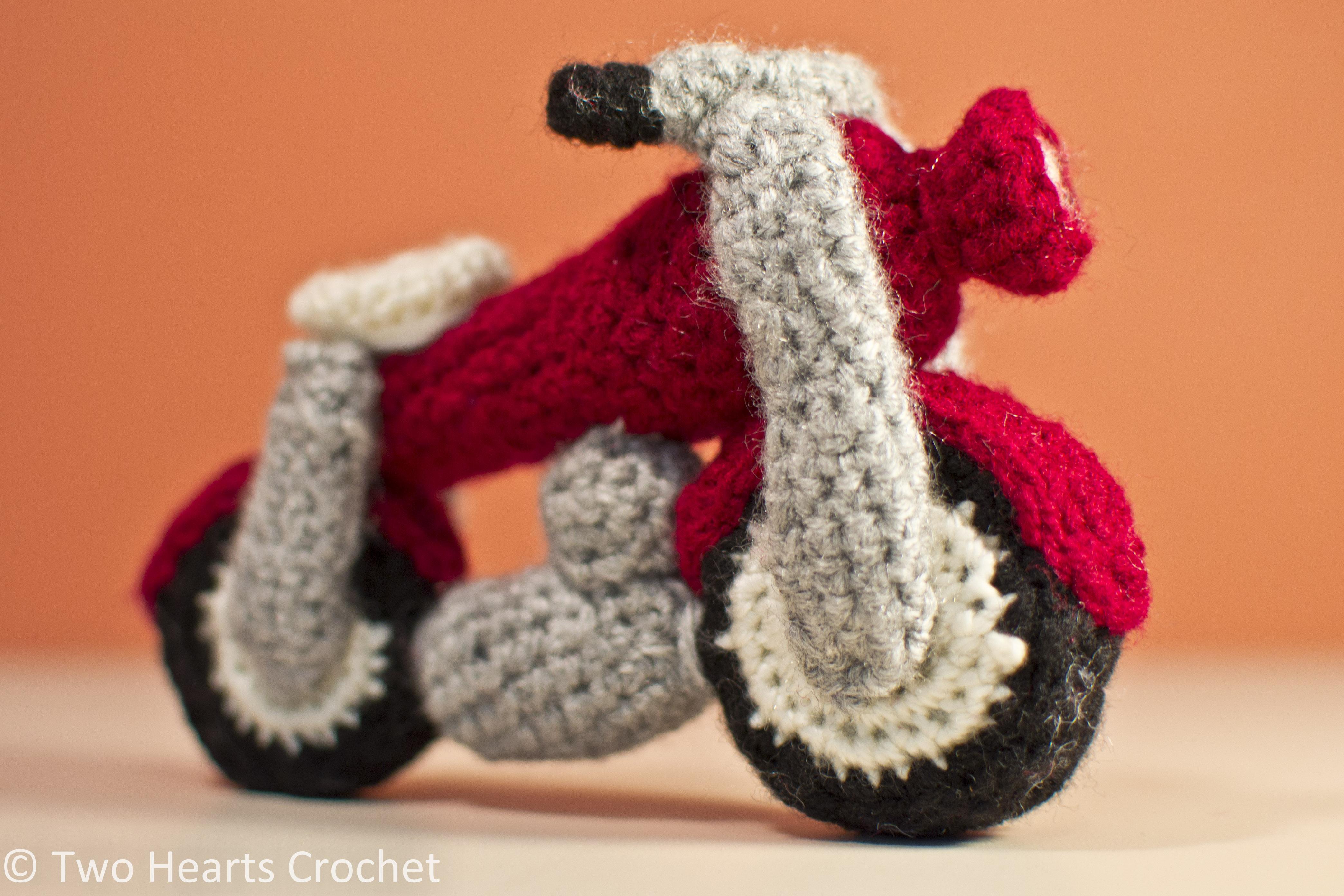 Vrooom! Crochet Motorcycle Pattern ? Two Hearts Crochet