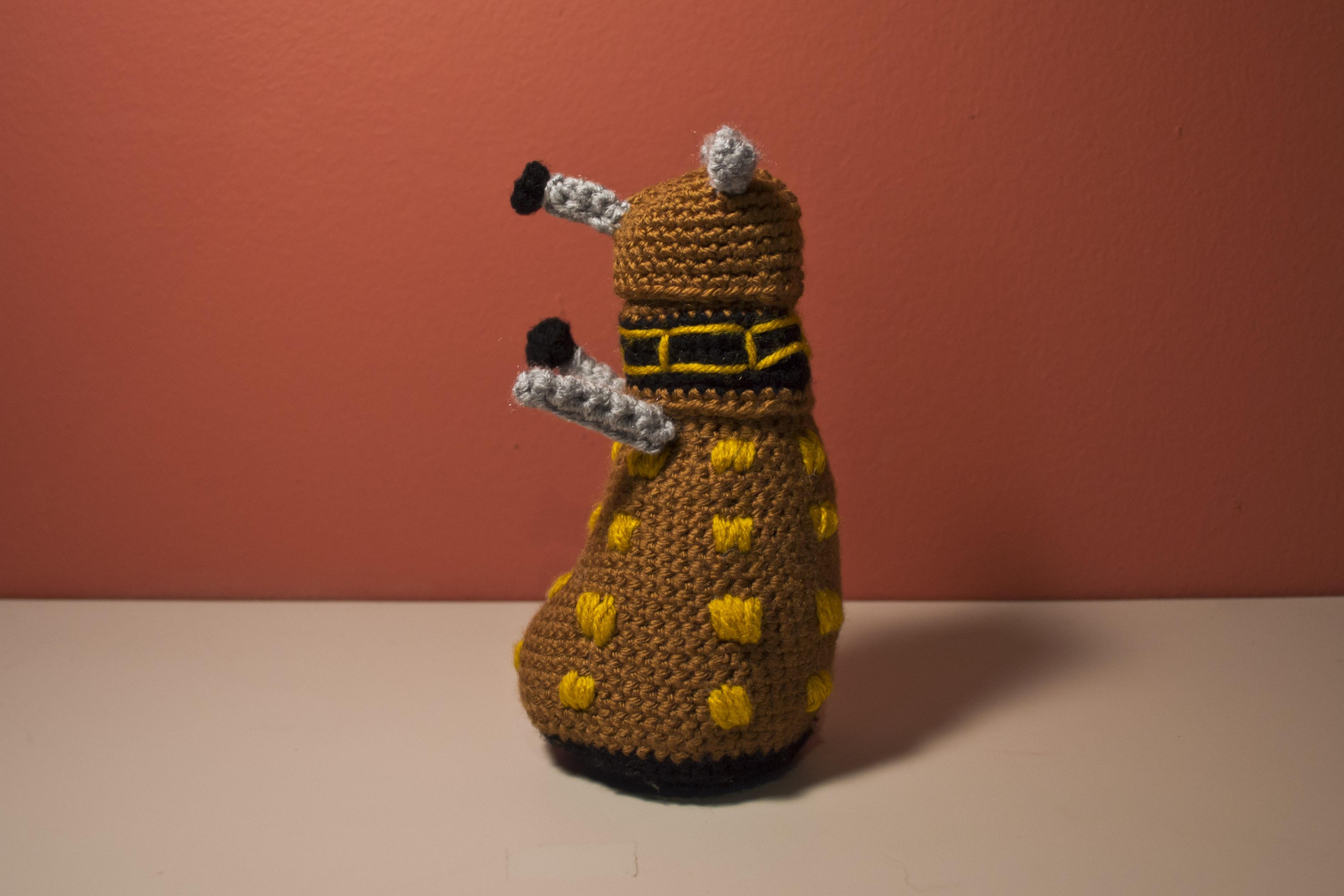 Amigurumi Dalek Pattern ? Two Hearts Crochet